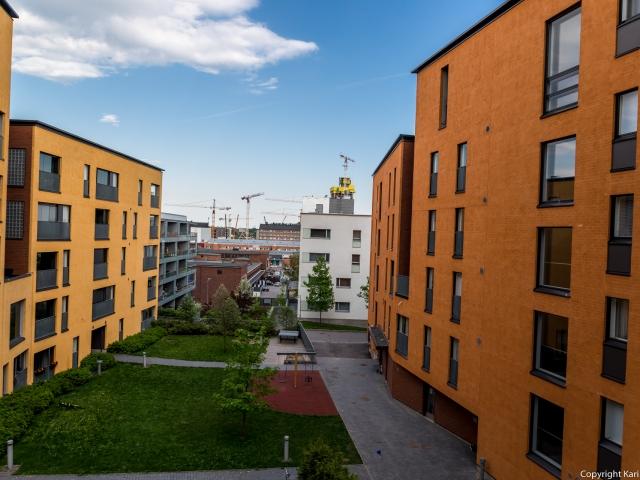 Sisäpiha As. Oy Helsingin Victoria, Diana ja Titania Tenhonkujalla