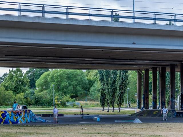 Skeittipuisto Hämeentien sillan alla