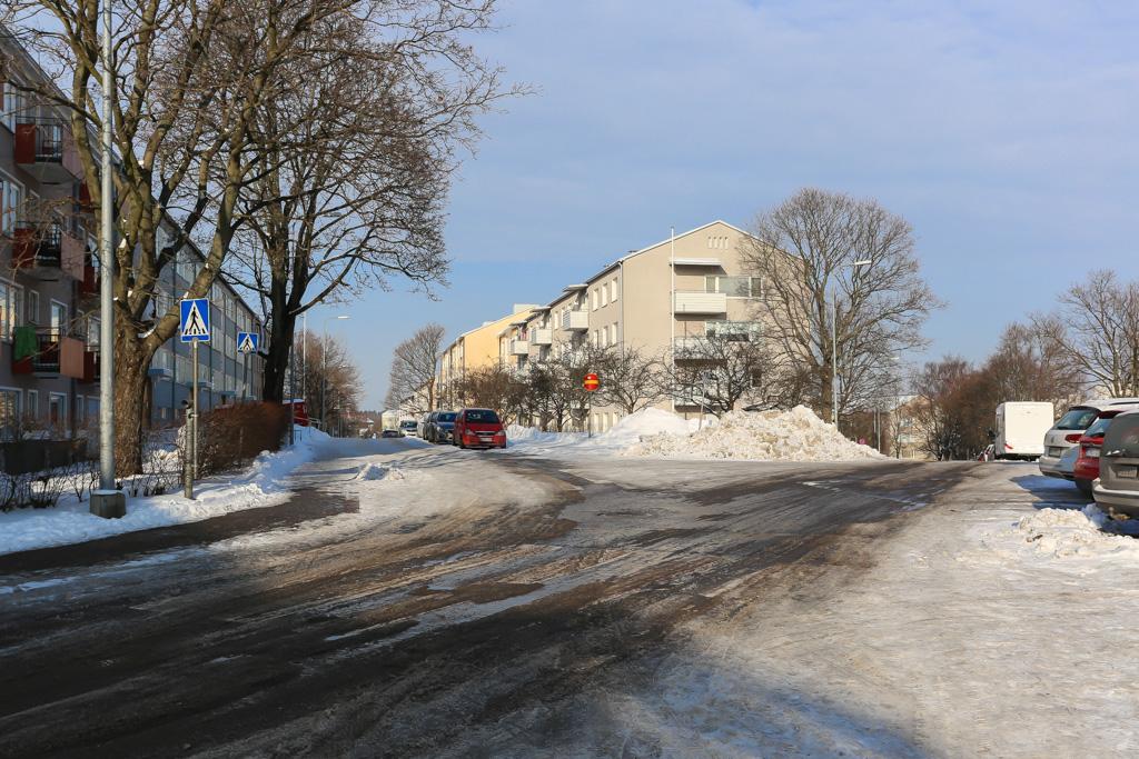 Vellamonkadun ja Orioninkadun risteys talvella